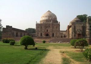 Bara Gumbad Tomb in Lodi Gardens