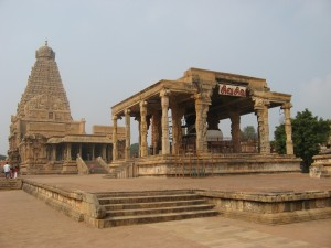 Brihadeeswarar Temple Inside