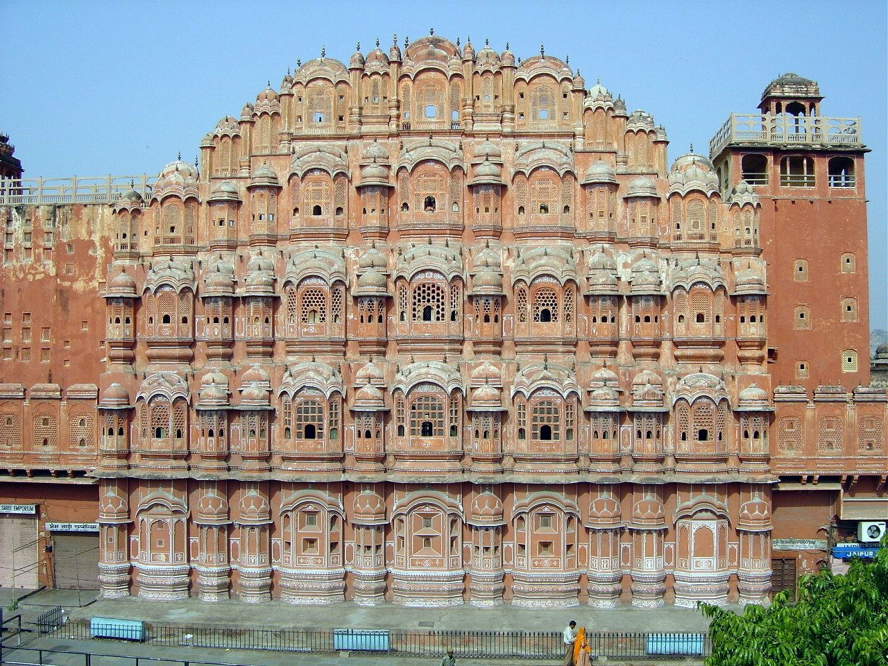 hawa mahal Hawa mahal in jaipur - jaipur - rajasthan: photos of jaipur - explore pictures & images of jaipur also find out photos of famous places, attractions, events.