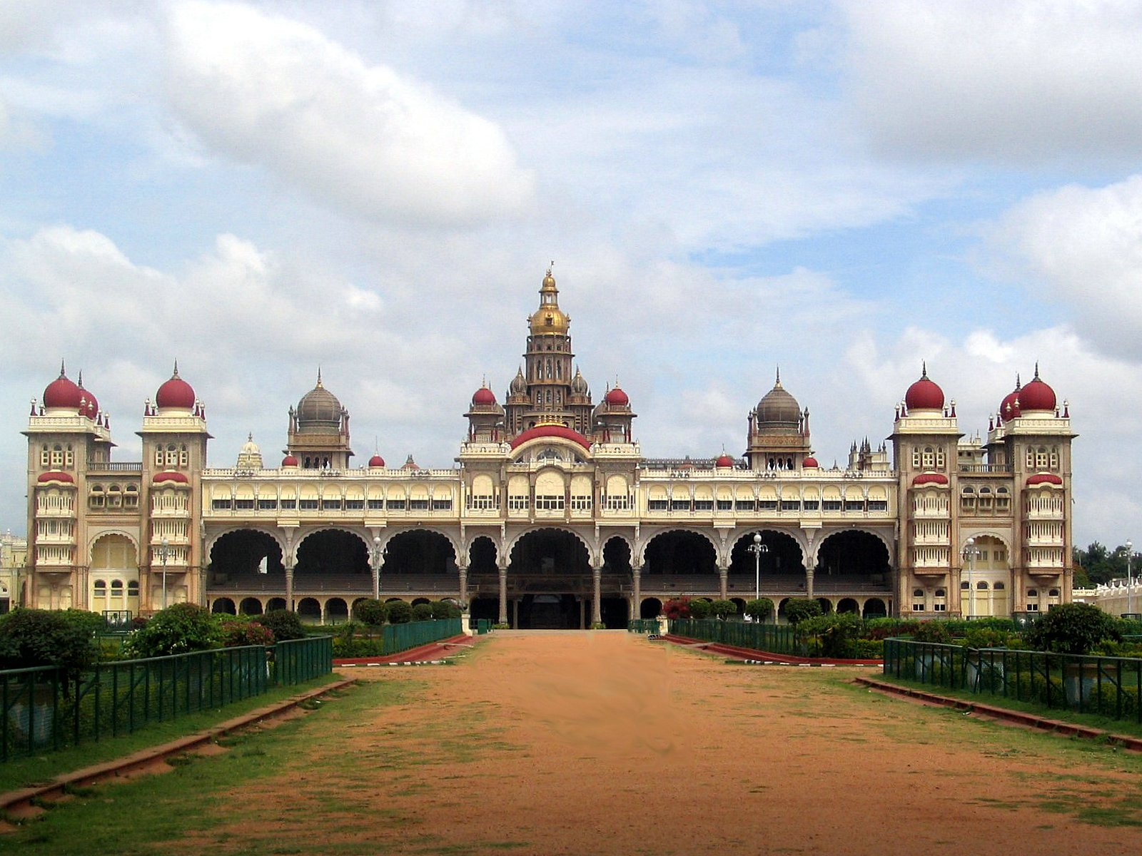 Mysore Palace | Pictures & Information | India Travel