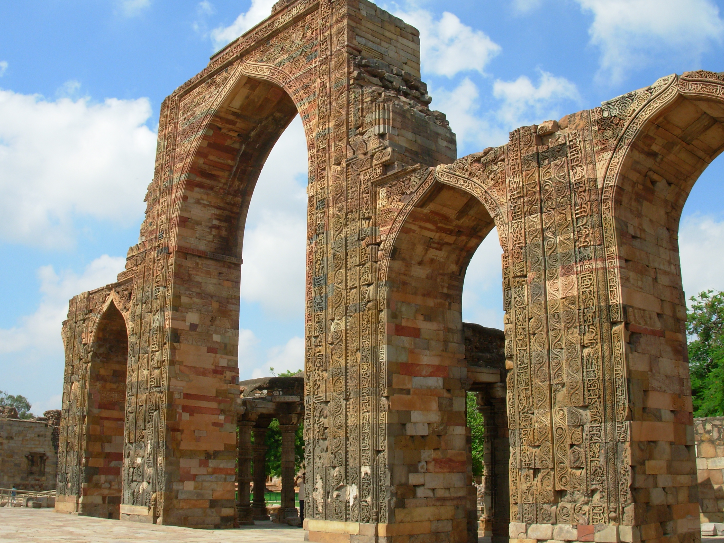 Qutab Minar Historical Facts and Pictures | The History Hub