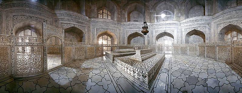 Taj mahal historical facts and pictures the history hub for Interior taj mahal