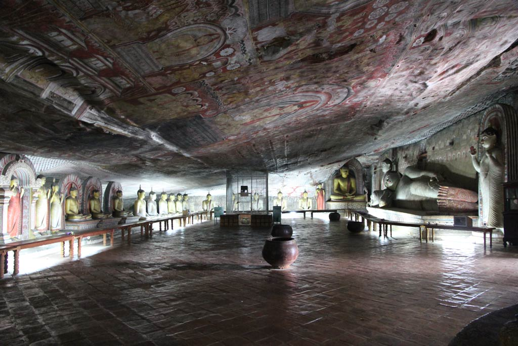 Пещерный Храм в Дамбуле