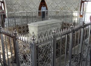 Jinnah Mausoleum Interior Grave