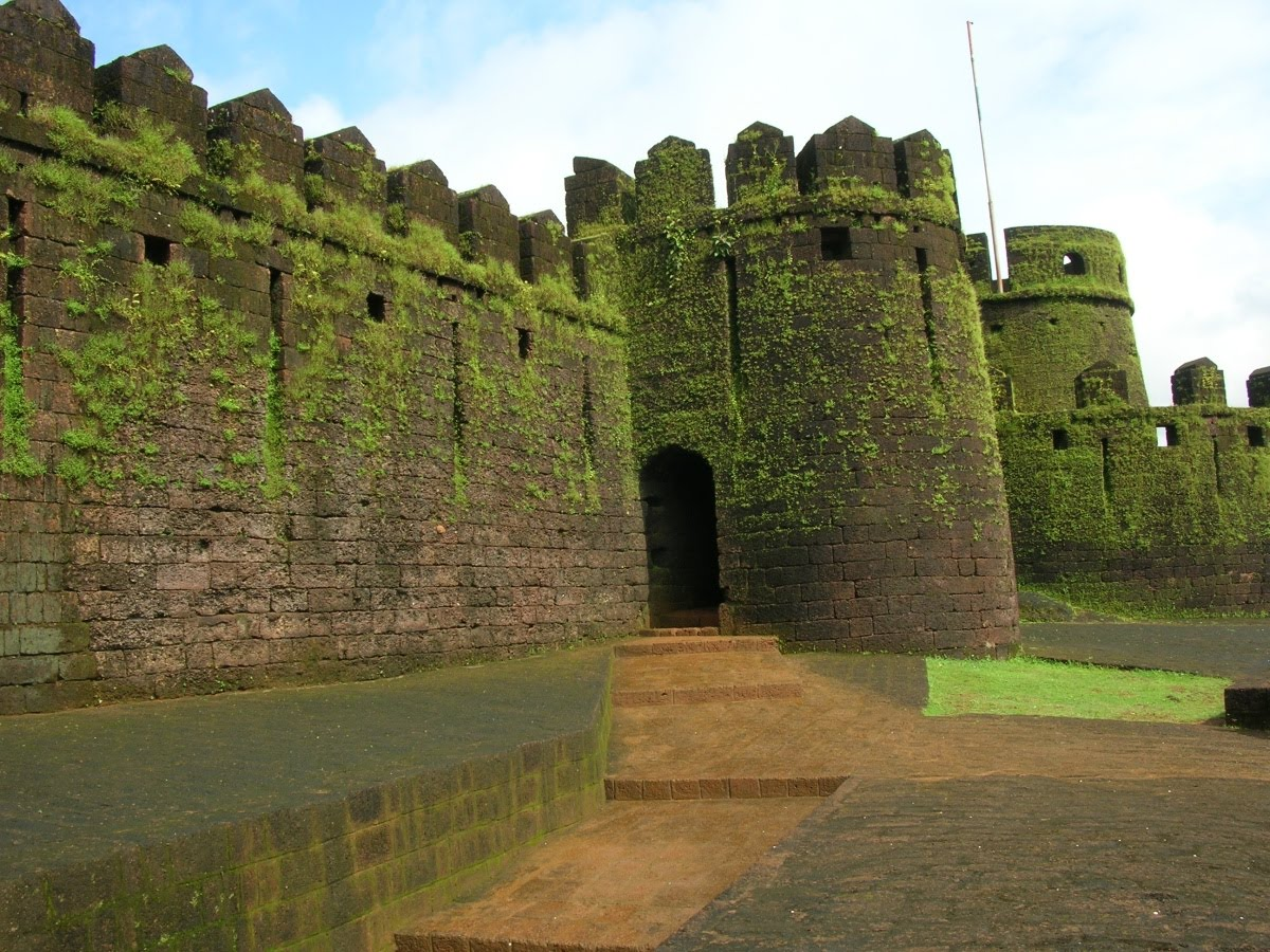 Mirjan Fort Historical Facts and Pictures | The History Hub