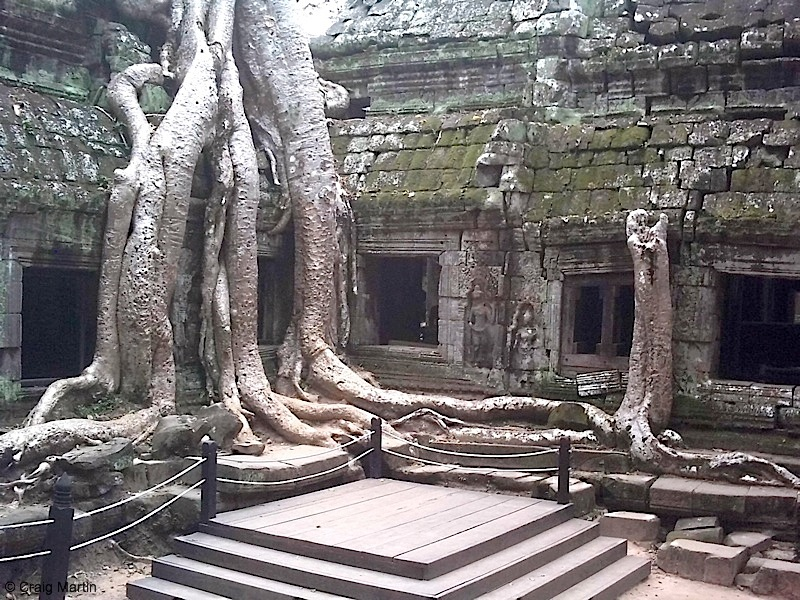 Angkor wat historical facts and pictures the history hub for Pictures inside