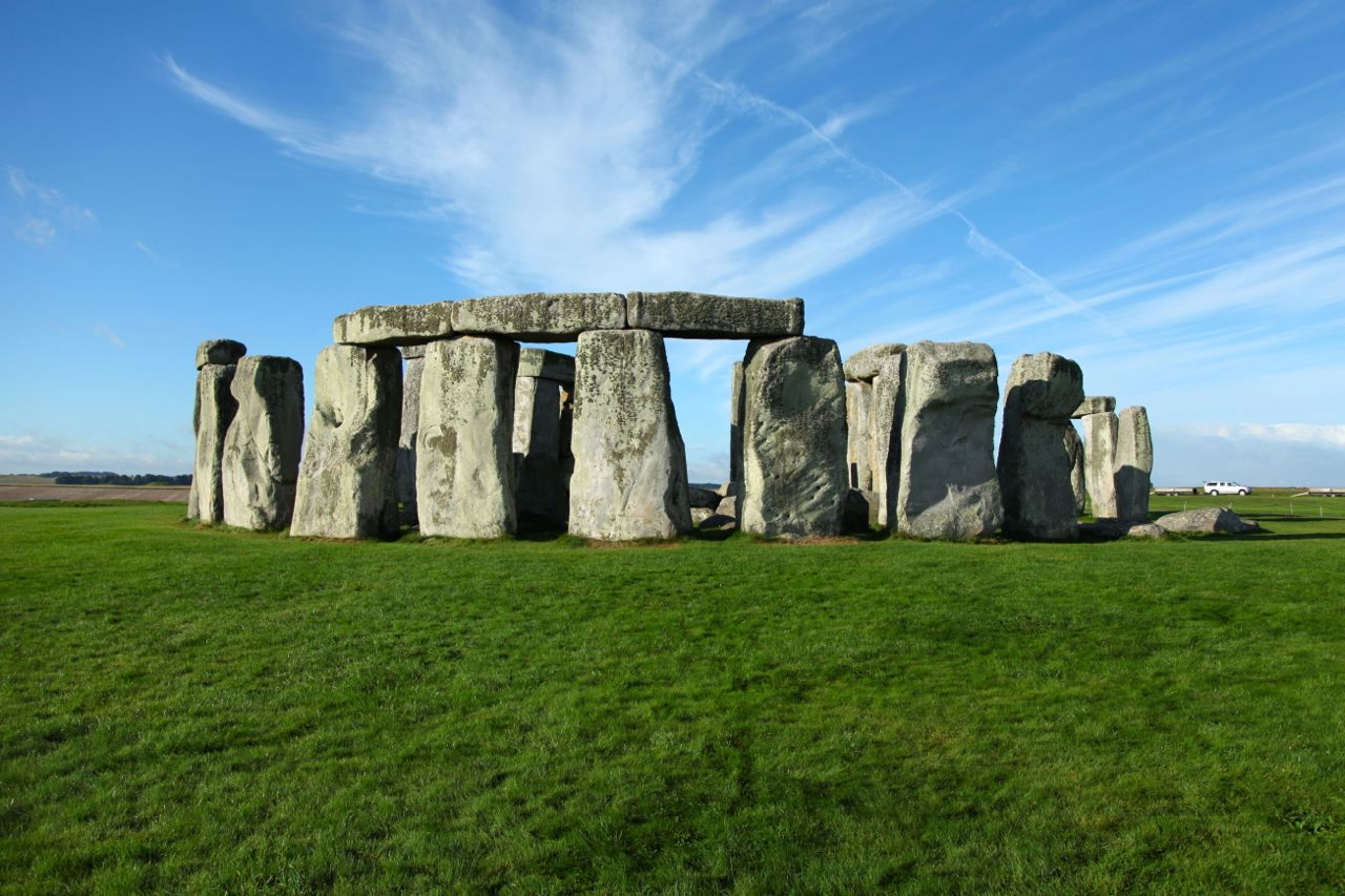 Stonehenge Historical Facts and Pictures | The History Hub
