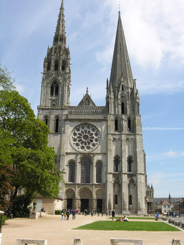 Chartres cathedral historical facts and pictures the for Architecture gothique