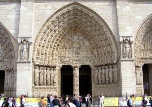 Notre Dame de Paris Entrance