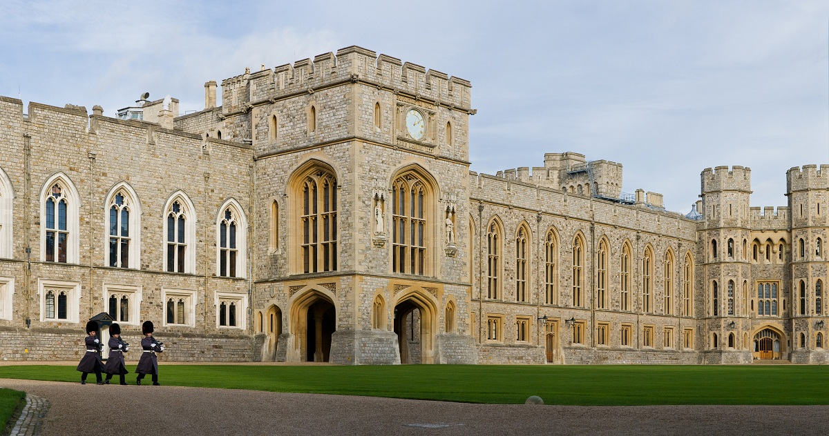 windsor castle historical facts and pictures the history hub. Black Bedroom Furniture Sets. Home Design Ideas