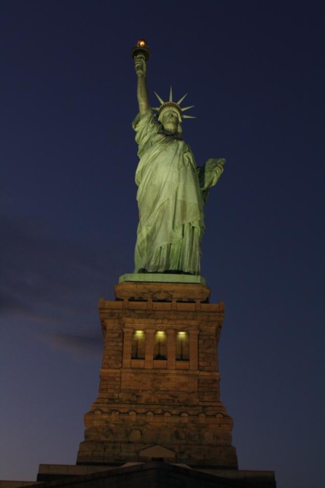 statue of liberty night - photo #28