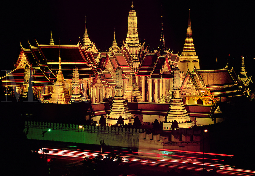 Grand Palace of Thailand Historical Facts and Pictures ...