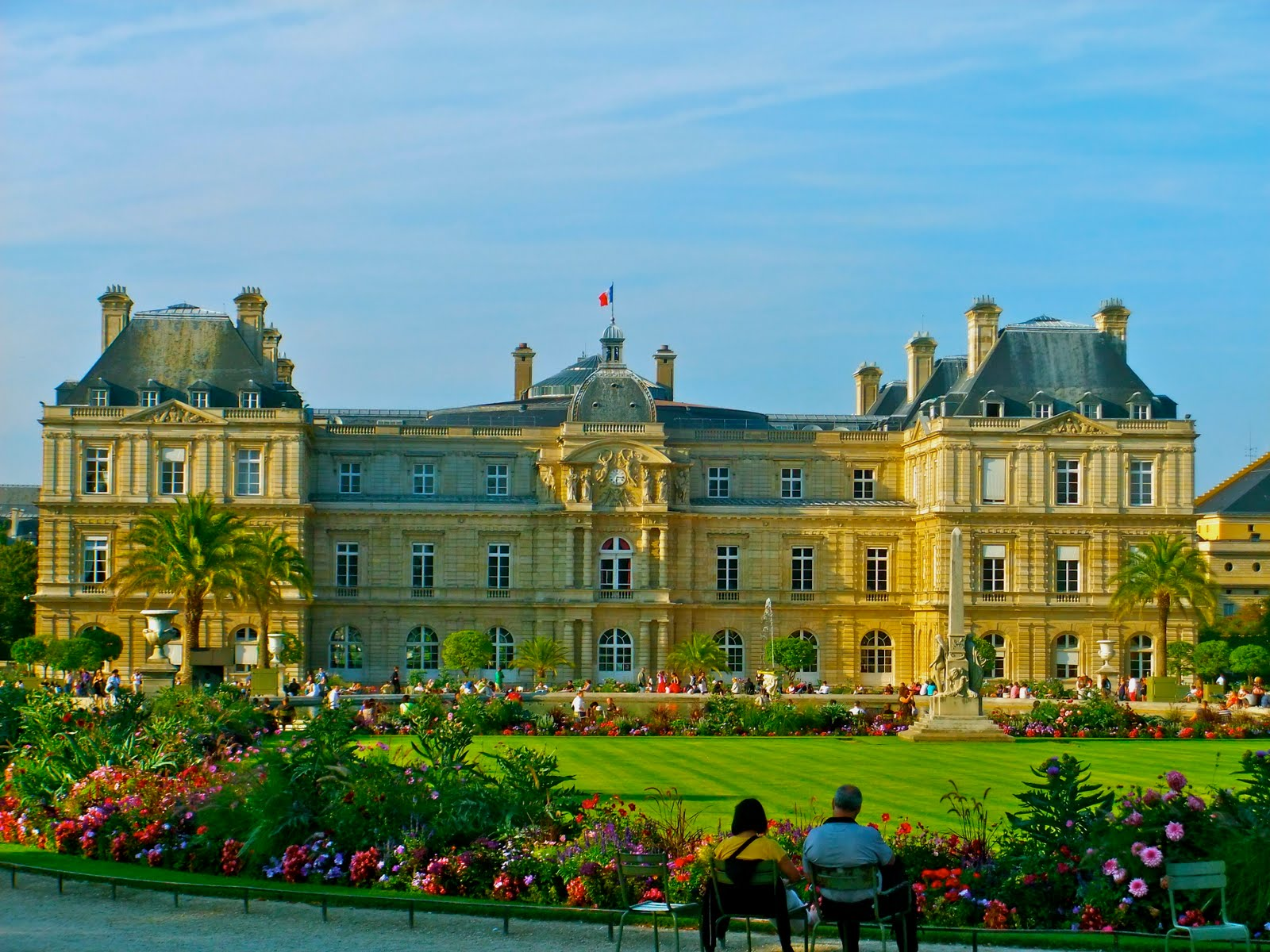 Jardin du luxembourg historical facts and pictures the for Luxembourg house