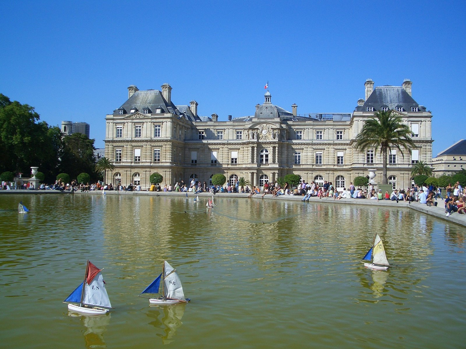 Jardin du luxembourg historical facts and pictures the for Le jardin de la france