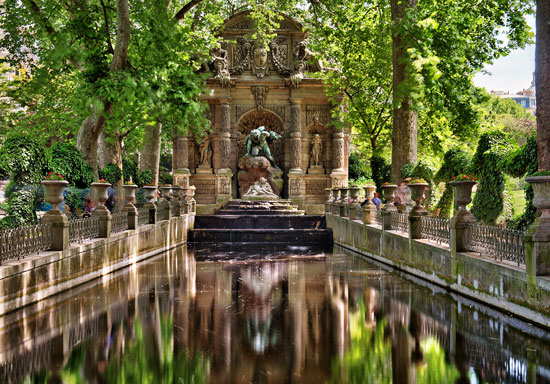 Jardin du luxembourg historical facts and pictures the for Buvette des marionnettes du jardin du luxembourg